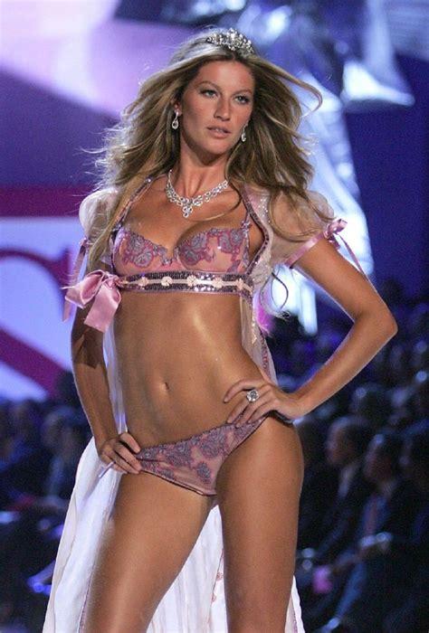 Victorias secret model kelly gale denies having a boob job jpg 736x1087