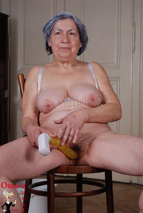 fuck naked older woman jpg 857x1280